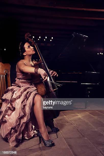 cellist Musiker spielen Cello