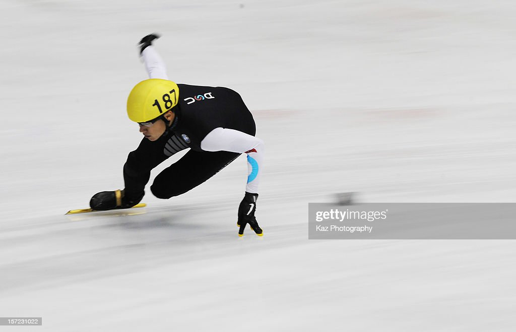 <a gi-track='captionPersonalityLinkClicked' href=/galleries/search?phrase=J.R.+Celski&family=editorial&specificpeople=5581262 ng-click='$event.stopPropagation()'>J.R. Celski</a> of USA in Race 3 of Men 1500m(2) Heats during day one of the ISU World Cup Short Track at Nippon Gaishi Arena on November 30, 2012 in Nagoya, Japan.