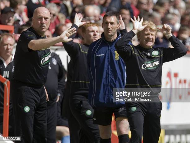 Celtic assistant manager Garry Pendrey and Celtic manager Gordon Strachan shout instructions during the Clydesdale Bank Scottish Premier League match...