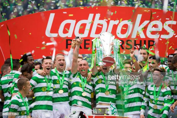 Celtic celebrates with the trophy following the Ladbrokes Scottish Premiership match at Celtic Park Glasgow