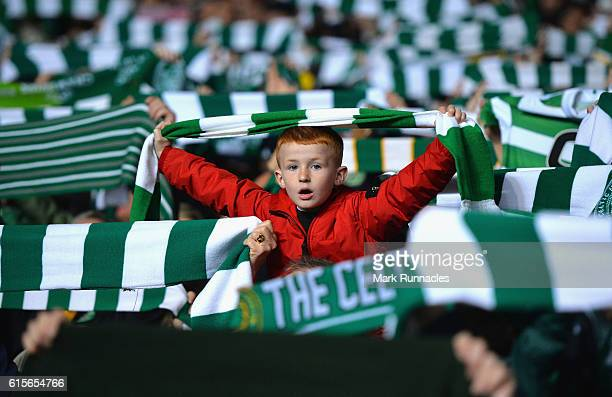 Celtic fan sings during the UEFA Champions League group C match between Celtic FC and VfL Borussia Moenchengladbach at Celtic Park on October 19 2016...
