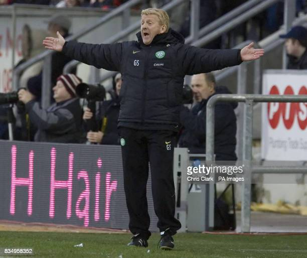 Celtic manager Gordon Strachan gestures towards his players during the Clydesdale Bank Scottish Premier League match at Falkirk Stadium Falkirk