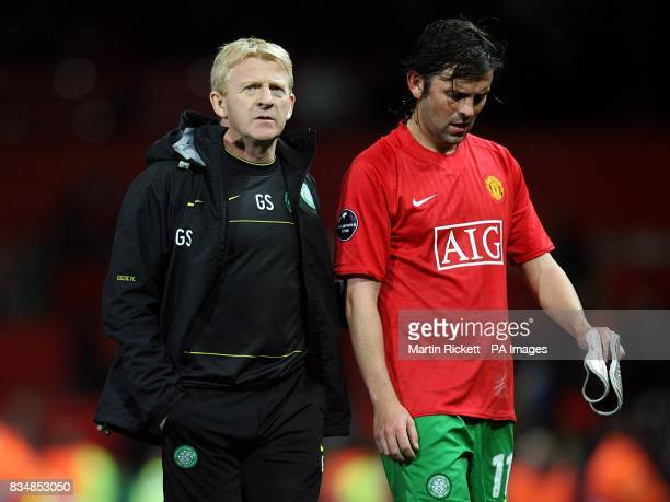 Celtic manager Gordon Strachan with Paul Hartley after the final whistle