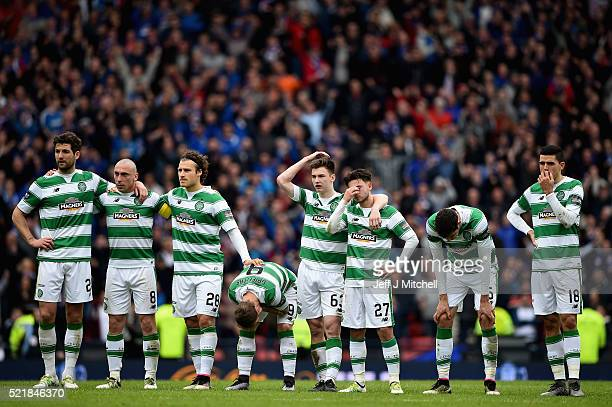 Celtic players react at the penalty shoot out during the William Hill Scottish Cup semi final between Rangers and Celtic at Hampden Park on April 17...