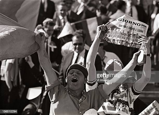 Celtic supporters during the Europa Cup match between Celtig Glasgow and Inter Milan on May 25 1967 at Lissabon Portugal