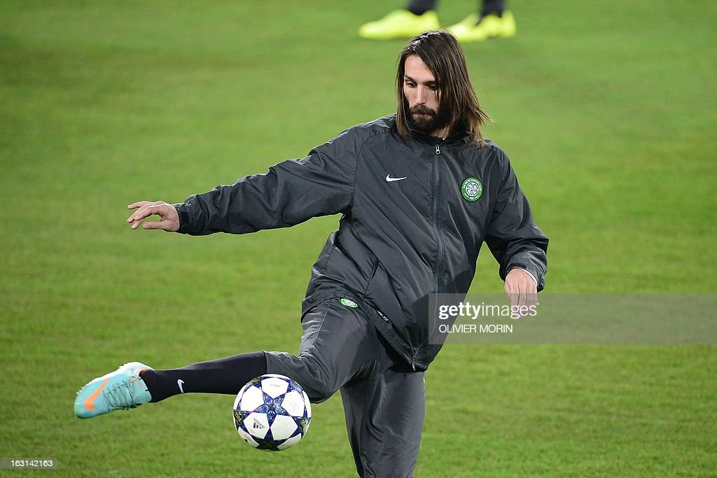 Celtic's forward Giorgios Samaras controls a ball during a training session, on the eve of the Champions League match between Juventus and Celtic Glasgow, on March 5, 2013 in Turin.