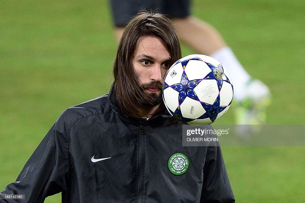 Celtic's forward Giorgios Samaras looks at the ball during a training session, on the eve of the Champions League match between Juventus and Celtic Glasgow, on March 5, 2013 in Turin. AFP PHOTO / OLIVIER MORIN