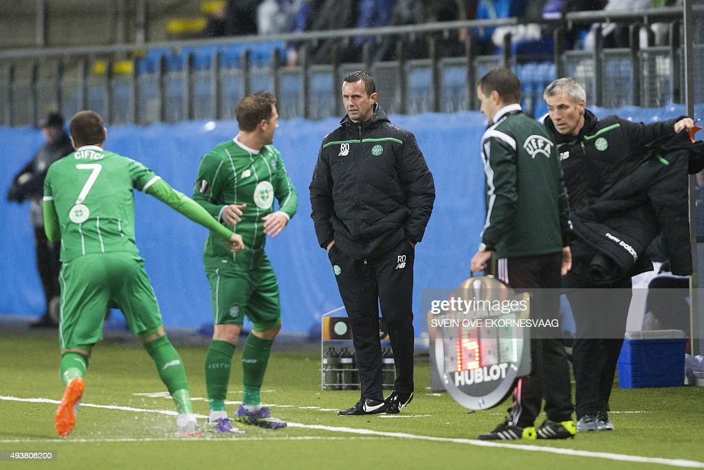 Celtic's manager Ronny Deila (C) looks on during the UEFA Europa League Group A football match between Molde FK vs Celtic FC at the Aker Stadium in Molde on October 22, 2015.