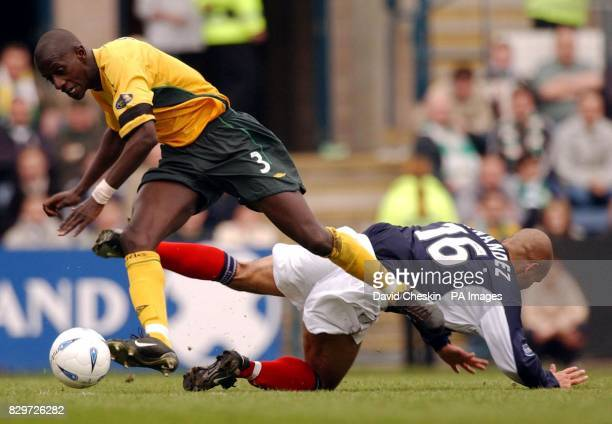 Celtic`s Mohammed Sylla holds off Dundee's Jonay Hernandez during the Bank of Scotland Scottish Premiership match at Dundee's Dens Park Stadium