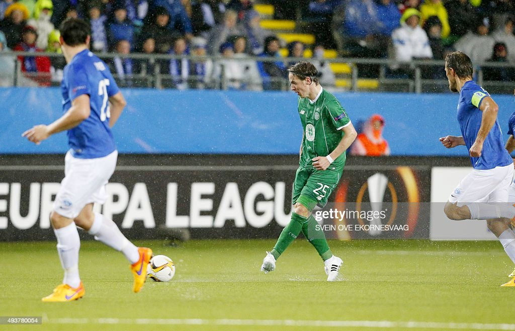 Celtic's Stefan Johansen plays the ball during the UEFA Europa Leage football match Molde FK vs Celtic FC in Molde on October 22, 2015.