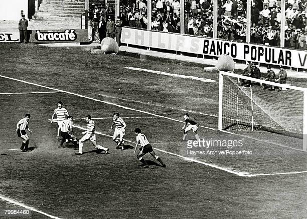Celtic's Tommy Gemmill in the thick of the action during the Intercontinental Club Cup playoff match between Racing Club of Argentina and Celtic in...