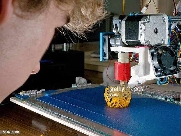 CelyenBiere on Naimeric Villafruela head of the FabLab Moebius association organizes courses on 3D printing for the general public in the town hall...