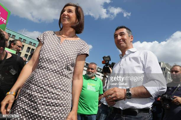 Cem Oezdemir and Katrin GoeringEckardt lead candidates of the German Greens Party attend a Greens Party election campaign tour launch event on August...