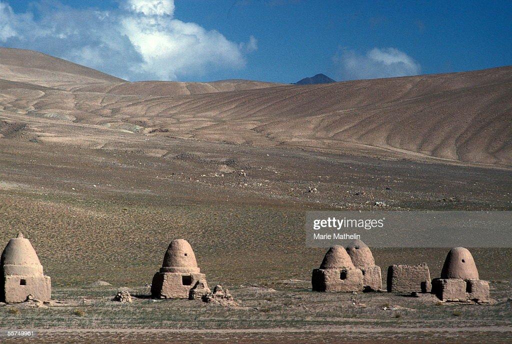 Cemetery preislamic in the desert of Taklamakan Province of Xinjiang 1988