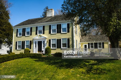 Center Chimney Colonial