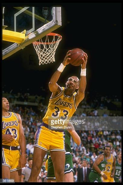 Center Kareem AbdulJabbar of the Los Angeles Lakers goes up for two during a game Mandatory Credit Stephen Dunn /Allsport Mandatory Credit Stephen...