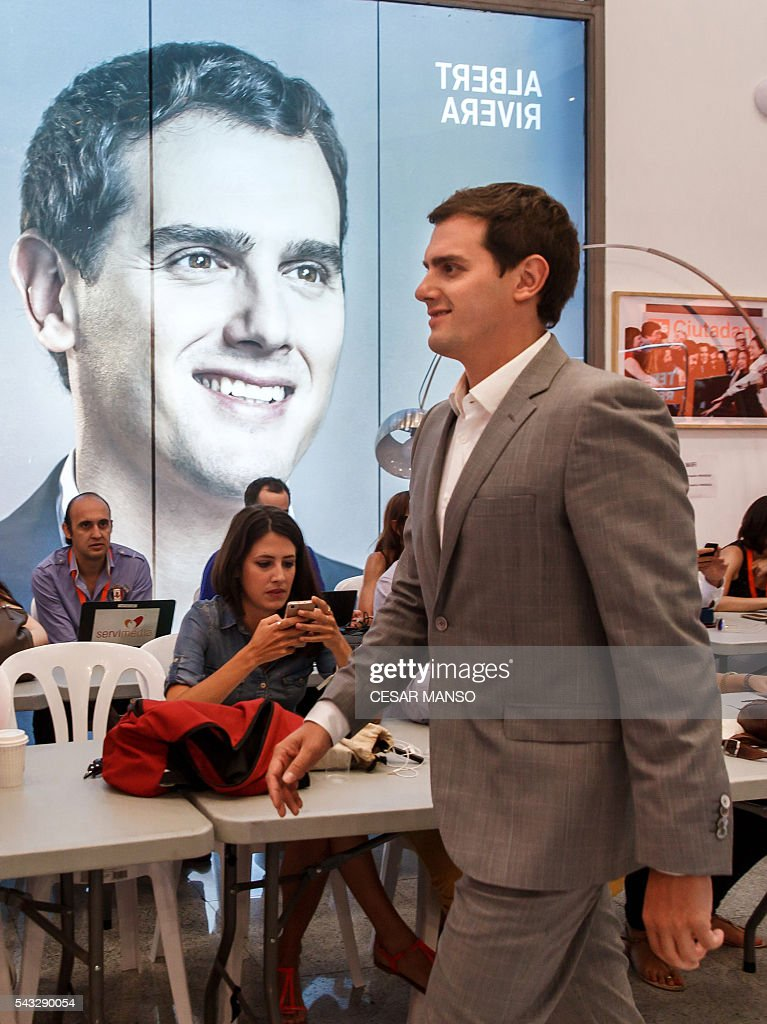 Center-right party Ciudadanos leader, Albert Rivera arrives for a press conference during the the national executive meeting in Madrid, on June 27, 2016. Spain hoped on June 27 that repeat weekend elections would unblock the country's political paralysis after the conservatives came out strengthened with more seats, although they still face resistance from hostile rivals. / AFP / CESAR