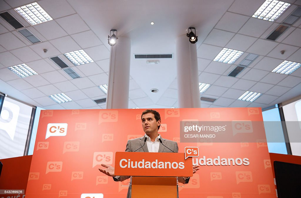 Center-right party Ciudadanos leader, Albert Rivera speaks during a press conference during the the national executive meeting in Madrid, on June 27, 2016. Spain hoped on June 27 that repeat weekend elections would unblock the country's political paralysis after the conservatives came out strengthened with more seats, although they still face resistance from hostile rivals. / AFP / CESAR