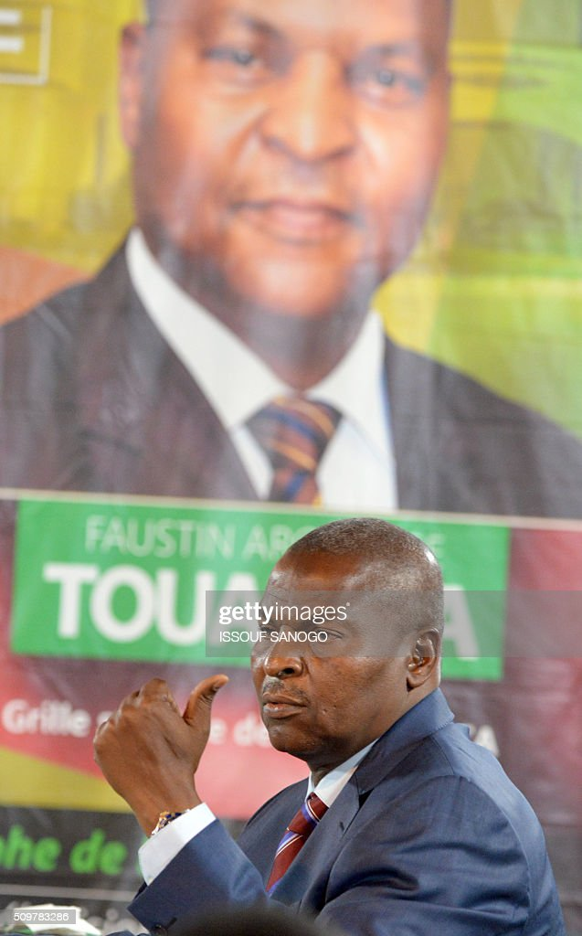 Central African Republic second round presidential candidate Faustin Archange Touadera attends during a presidential campaign television debat in Bangui on February 12, 2016, ahead of the Febuary 14 presidential and legislatives elections. / AFP / ISSOUF SANOGO