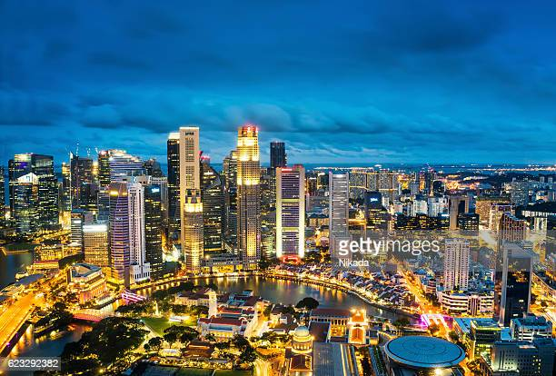 Central Business District di Singapore al crepuscolo