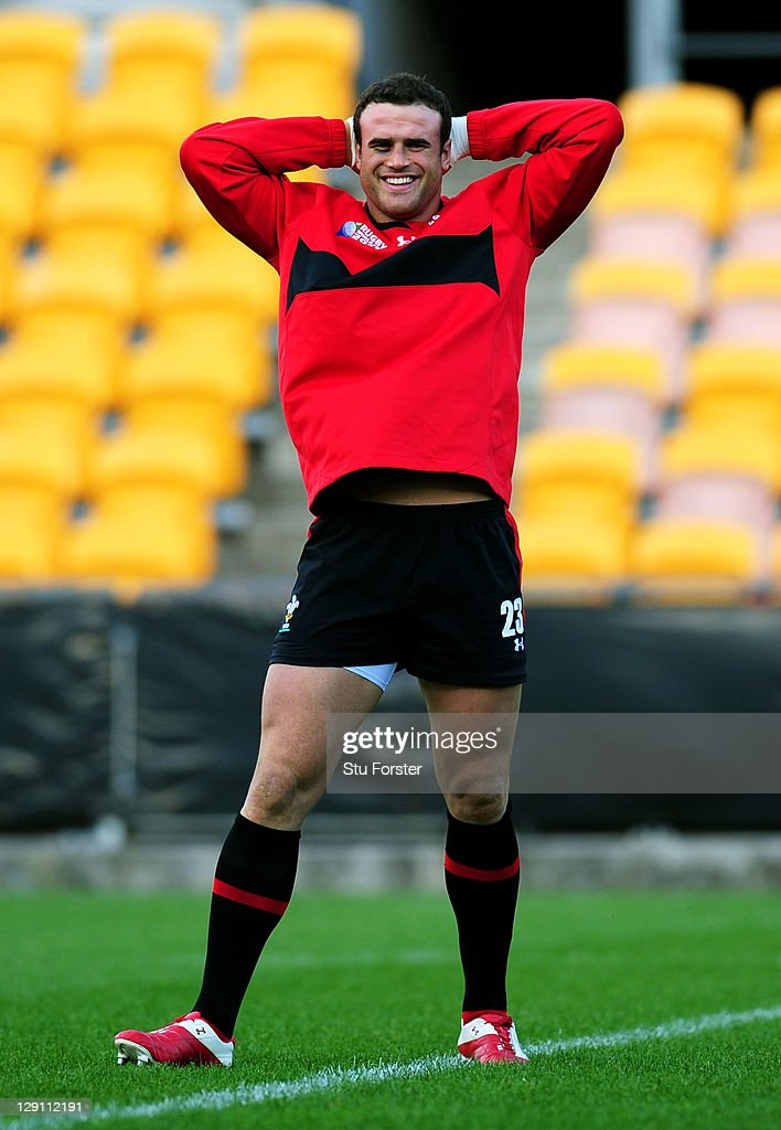Centre <a gi-track='captionPersonalityLinkClicked' href=/galleries/search?phrase=Jamie+Roberts&family=editorial&specificpeople=3530992 ng-click='$event.stopPropagation()'>Jamie Roberts</a> Looks on during a Wales IRB Rugby World Cup 2011 training session at Mt Smart Stadium on October 13, 2011 in Auckland, New Zealand.