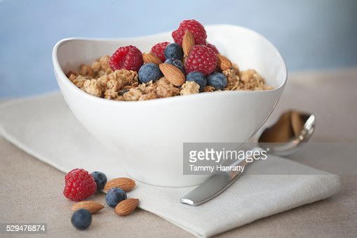 Cereal with berries and nuts : Stock-Foto