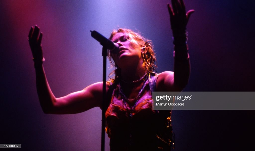 <a gi-track='captionPersonalityLinkClicked' href=/galleries/search?phrase=Cerys+Matthews&family=editorial&specificpeople=1583867 ng-click='$event.stopPropagation()'>Cerys Matthews</a> performs on stage with Catatonia Glastonbury, United Kingdom, 1998.