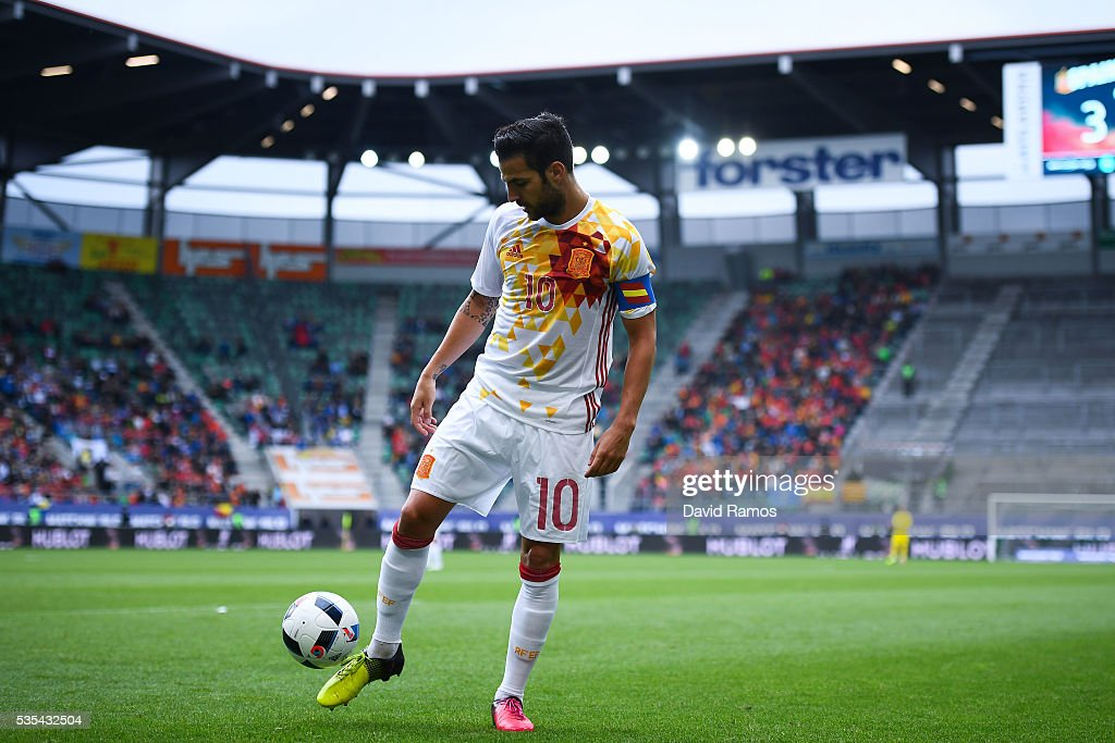 Cesc Fabregas of Spain controls the ball during an international friendly match between Spain and Bosnia at the AFG Arena on May 29, 2016 in St Gallen, Switzerland.