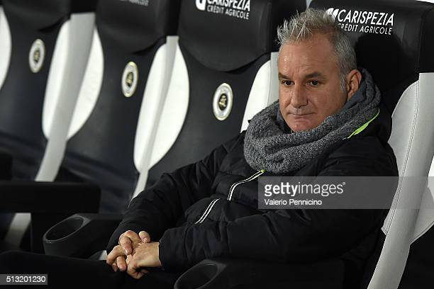 Cesena head coach Massimo Drago looks on prior to the Serie B match between AC Spezia and AC Cesena at Stadio Alberto Picco on March 1 2016 in La...