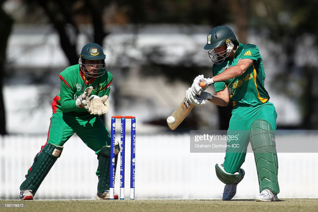 Chad Bowes of South Africa (R) bats during the ICC U19 Cricket World Cup 2012 match between South Africa and Bangladesh at Allan Border Field on August 12, 2012 in Brisbane, Australia.