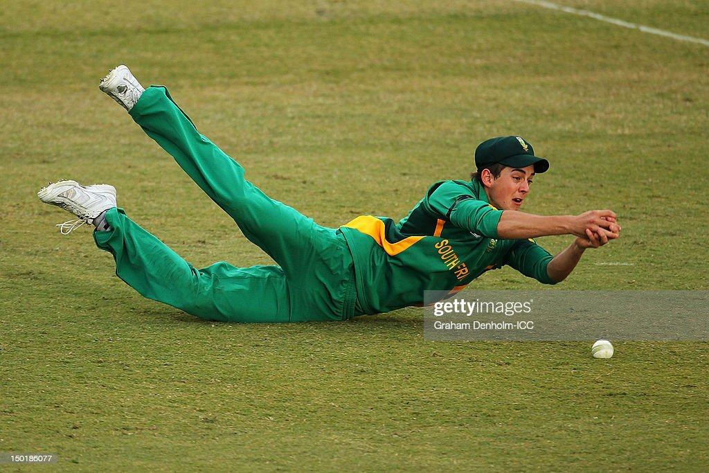 Chad Bowes of South Africa misses a catch during the ICC U19 Cricket World Cup 2012 match between South Africa and Bangladesh at Allan Border Field on August 12, 2012 in Brisbane, Australia.