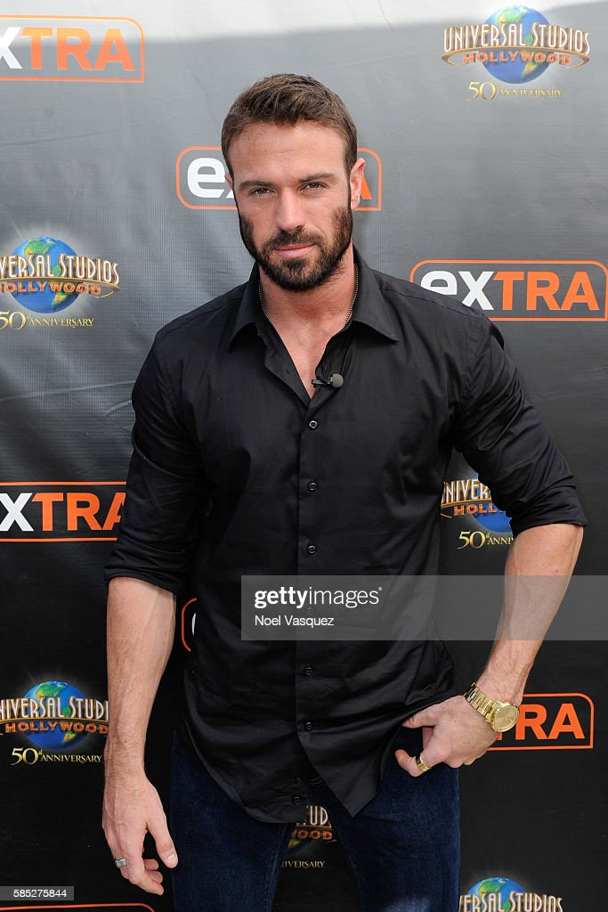 Chad Johnson visits 'Extra' at Universal Studios Hollywood on August 2 2016 in Universal City California