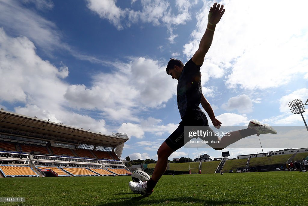 Chad Townsend of the Warriors practices goal kicking during a New Zealand Warriors NRL training session at Mt Smart Stadium on April 2, 2014 in Auckland, New Zealand.