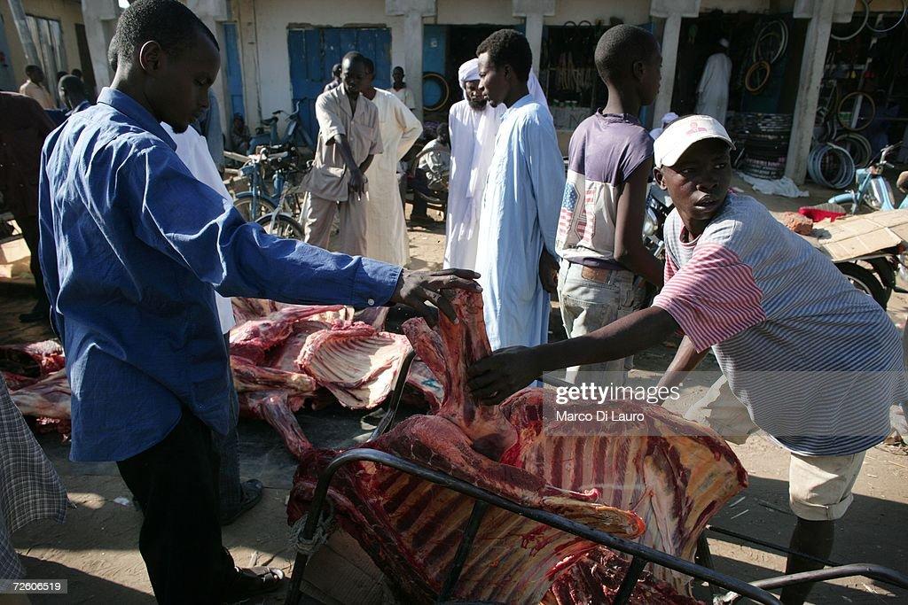N'DJAMENA CHAD NOVEMBER 4 A Chadian man sells meat at the market on November 4 2006 in N'Djamena Chad Chad declared a state of emergency in large...