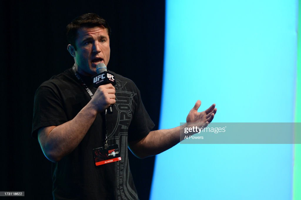 <a gi-track='captionPersonalityLinkClicked' href=/galleries/search?phrase=Chael+Sonnen&family=editorial&specificpeople=5434559 ng-click='$event.stopPropagation()'>Chael Sonnen</a> conducts a Q&A session with fans during the UFC Fan Expo Las Vegas 2013 at the Mandalay Bay Convention Center on July 6, 2013 in Las Vegas, Nevada.