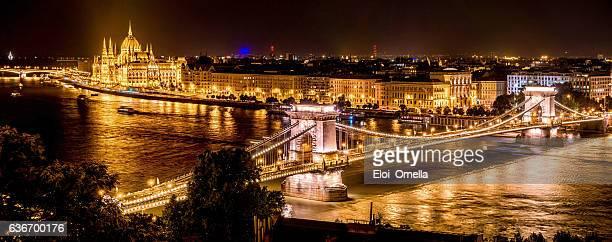 chain bridge budapest hungary dusk horizontal night parliament Országház