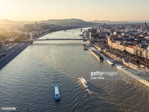 Chain Bridge in sunset - Budapest