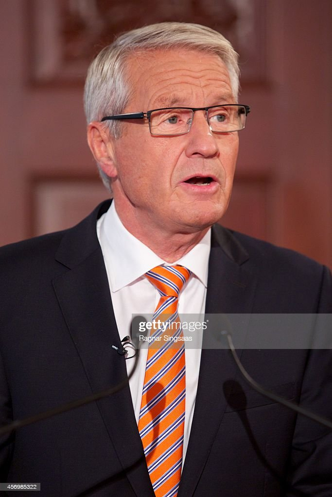 Chair of the Nobel Committee <a gi-track='captionPersonalityLinkClicked' href=/galleries/search?phrase=Thorbjorn+Jagland&family=editorial&specificpeople=862853 ng-click='$event.stopPropagation()'>Thorbjorn Jagland</a> makes announcement that Malala Yousafzai and Kailash Satyarthi are to receive the Nobel Peace Prize 2014 on October 10, 2014 in Oslo, Norway.