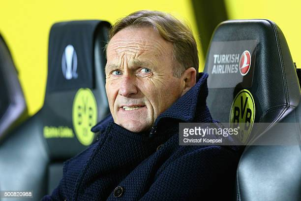 Chairman HansJoachim Wattzke of Dortmund is seen prior to the UEFA Europa League group C match between Borussia Dortmund and PAOK FC at Signal Iduna...