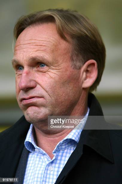 Chairman HansJoachim Watzke of Dortmund looks thoughtful during the Bundesliga match between Borussia Dortmund and VfL Bochum at the Signal Iduna...