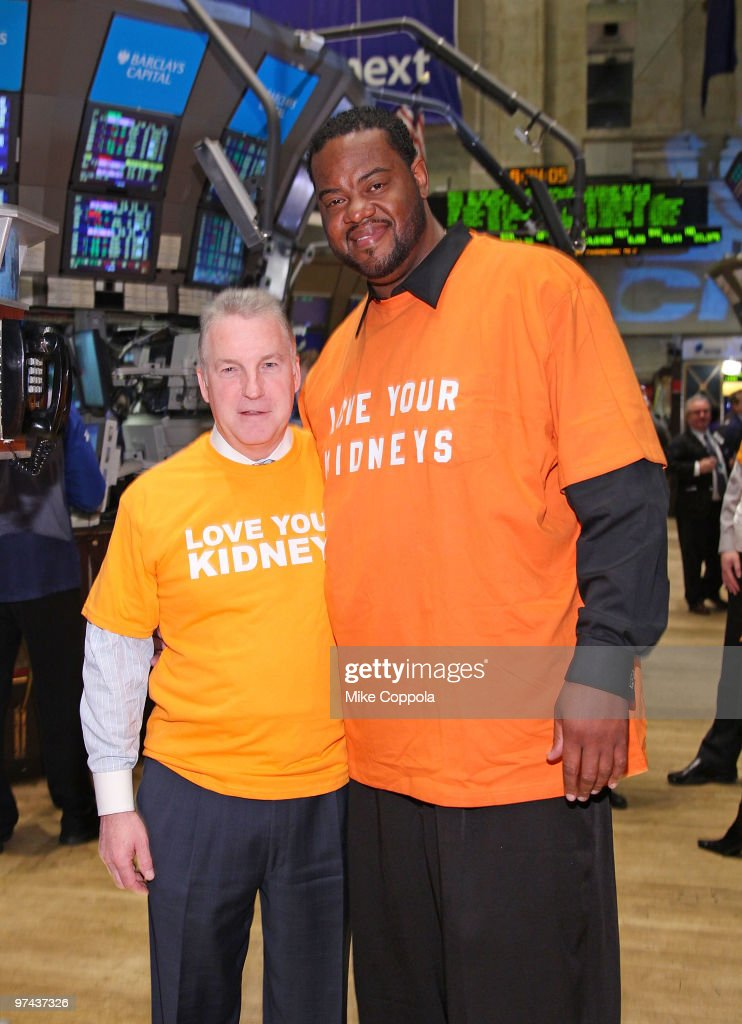 Chairman of National Kidney Foundation Bill Cella and actor Grizz Chapman rings the opening bell at the New York Stock Exchange on March 4 2010 in...