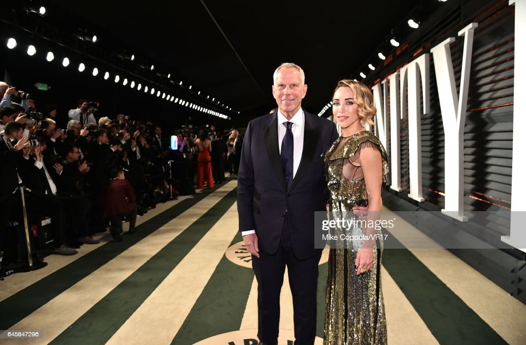 Chairman of NY Giants Steve Tisch (L) and Katia Francesconi attend the 2017 Vanity Fair Oscar Party hosted by Graydon Carter at Wallis Annenberg Center for the Performing Arts on February 26, 2017 in Beverly Hills, California.