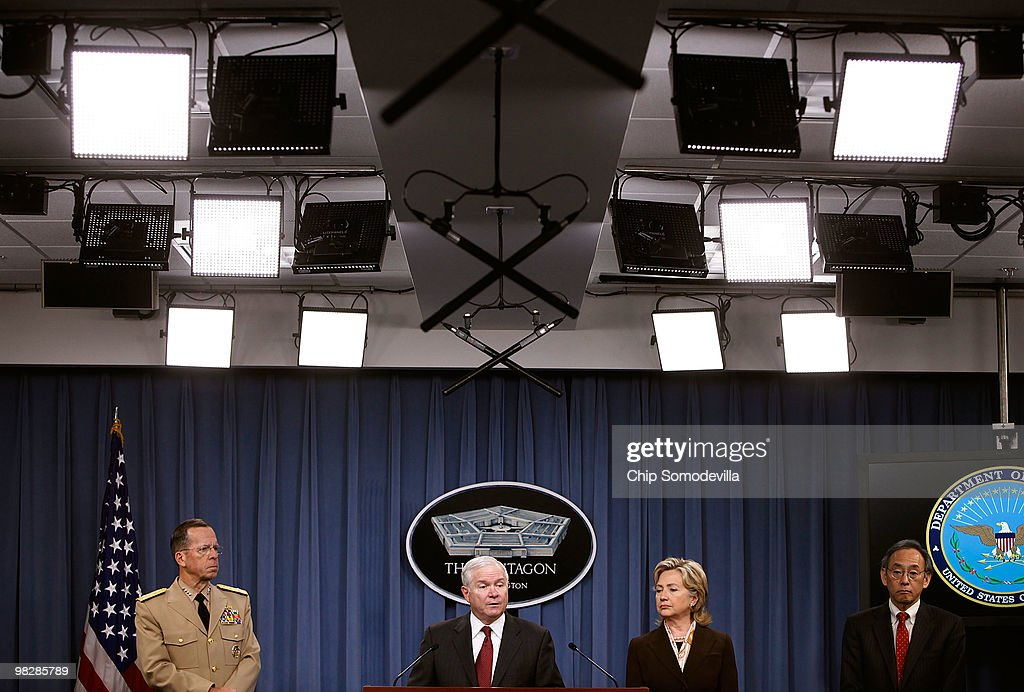 Chairman of the Joint Chiefs of Staff Navy Admiral Mike Mullen, Defense Secretary Robert Gates, Secretary of State <a gi-track='captionPersonalityLinkClicked' href=/galleries/search?phrase=Hillary+Clinton&family=editorial&specificpeople=76480 ng-click='$event.stopPropagation()'>Hillary Clinton</a> and Energy Secretary <a gi-track='captionPersonalityLinkClicked' href=/galleries/search?phrase=Steven+Chu&family=editorial&specificpeople=2732289 ng-click='$event.stopPropagation()'>Steven Chu</a> hold a news briefing about the new Nuclear Posture Review at the Pentagon April 6, 2010 in Arlington, Virginia. The Obama Administration's posture review announced a reduction in the number of potential U.S. targets and restrictions on the circumstances under which strategic nuclear weapons could be used.