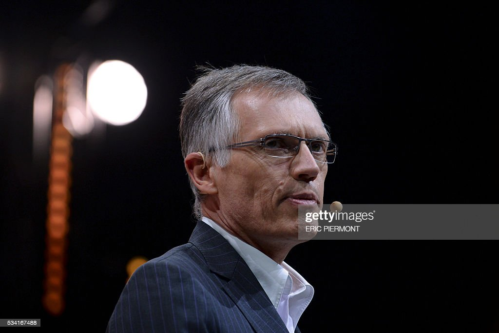 Chairman of the managing board of French carmaker PSA Peugeot Citroen, Carlos Tavares, delivers a speech during the second edition of the entrepreneurial event Bpifrance Inno Generation on the theme of 'Let's build together the world of tomorrow' at the AccorHotels Arena in Paris on May 25, 2016. / AFP / ERIC