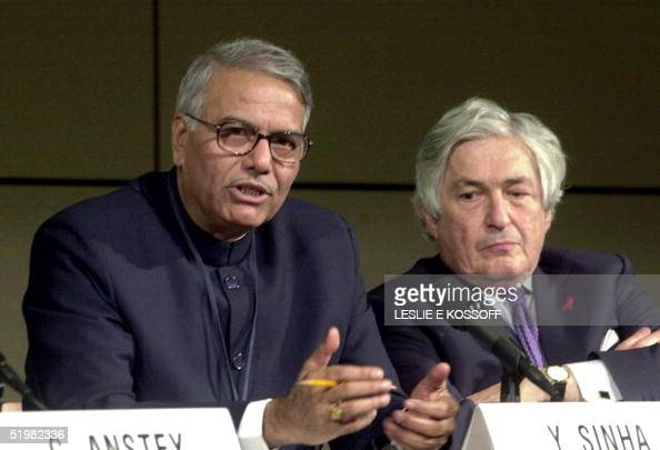 Chairman of the World Bank Development Committee and Indian Finance Minister Yashwant Sinha and World Bank President James Wolfensohn answer...