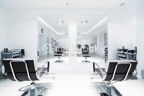 Chaises Et Miroirs Photo  Thinkstock