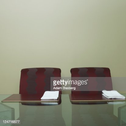 Chairs at dinner table : Bildbanksbilder