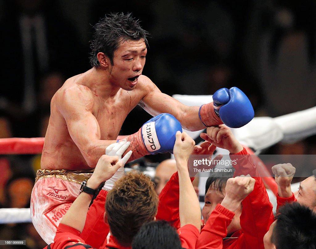 Challenger Akira Yaegashi of Japan celebrates beating champion Toshiyuki Igarashi of Japan during the WBC Flyweight title bout at Ryogoku Kokugikan on April 8, 2013 in Tokyo, Japan.
