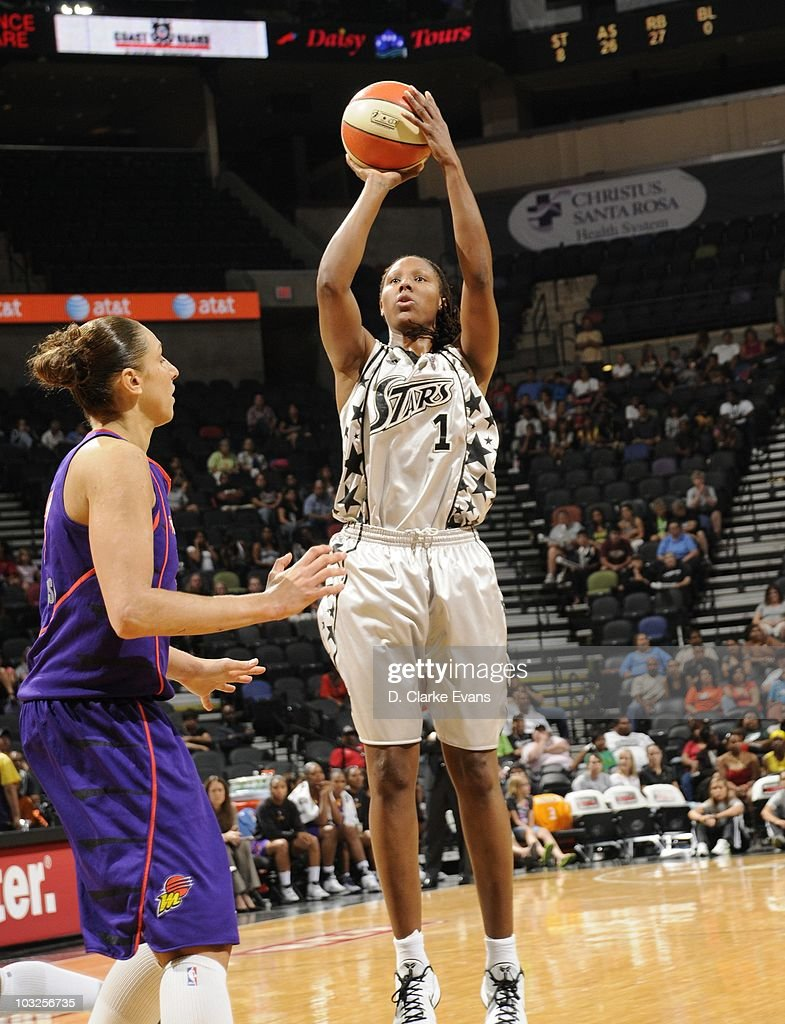 Chamique Holdsclaw of the San Antonio Silver Stars shoots against the Phoenix Mercury during a WNBA game on August 3 2010 at the ATT Center in San...
