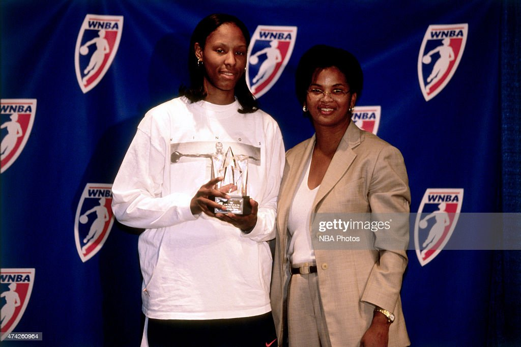 Chamique Holdsclaw of the Washington Mystics recieves the 1999 WNBA Rookie of the Year Award circa 1999 at the MCI Center in Washington DC NOTE TO...